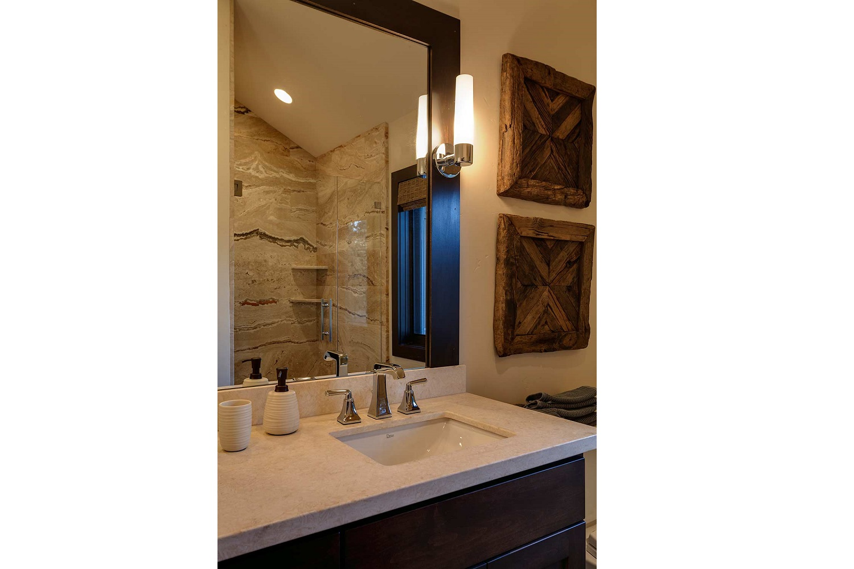 311 guest bath2